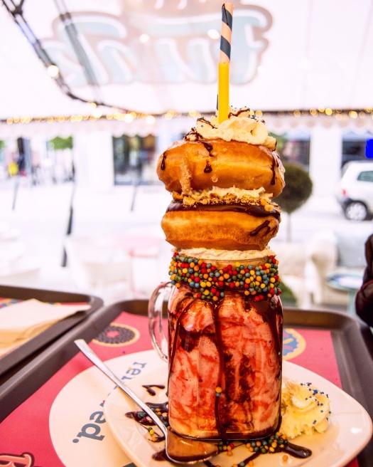 batido-colorido-donuts.jpg