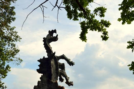 dragao-de-pedra-chamas-cracóvia.JPG