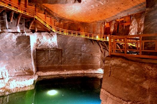 interior-minas-de-sal-lago-wieliczka.JPG