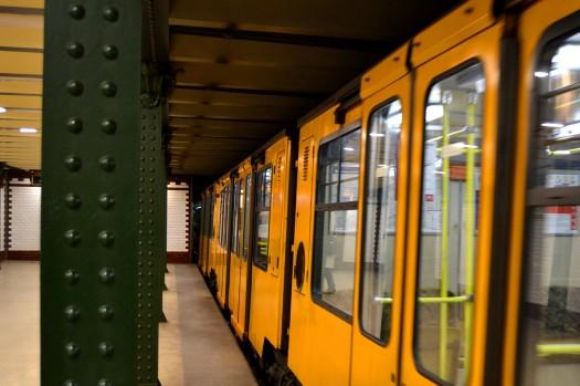metro-budapest.JPG