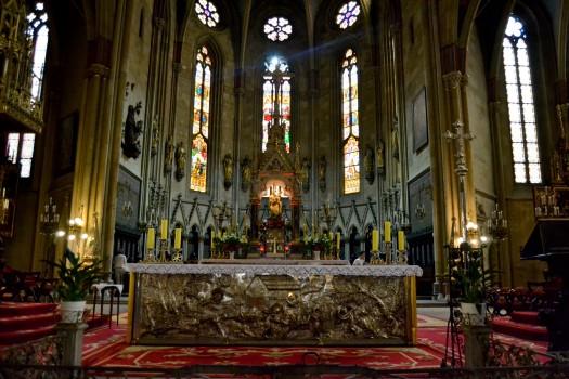 catedral-zagreb-interior.JPG