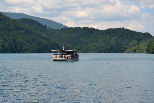 barco-no-lago.JPG